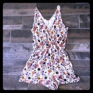 H&M pink floral daisies stretchy romper M